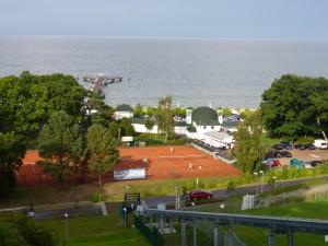 Tennisplatz am Meer