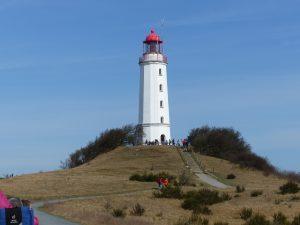 Im Urlaub den Leuchtturm auf Hiddensee im Frühling besuchen ...